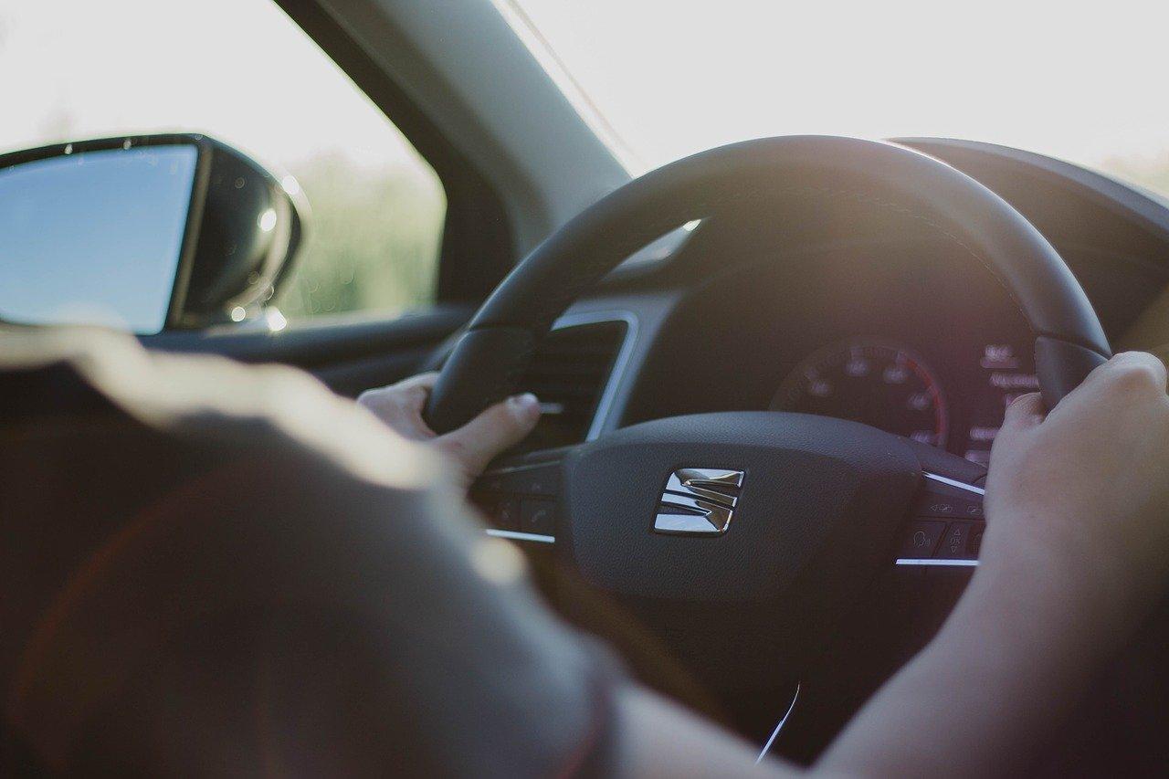 driving-traffic-online